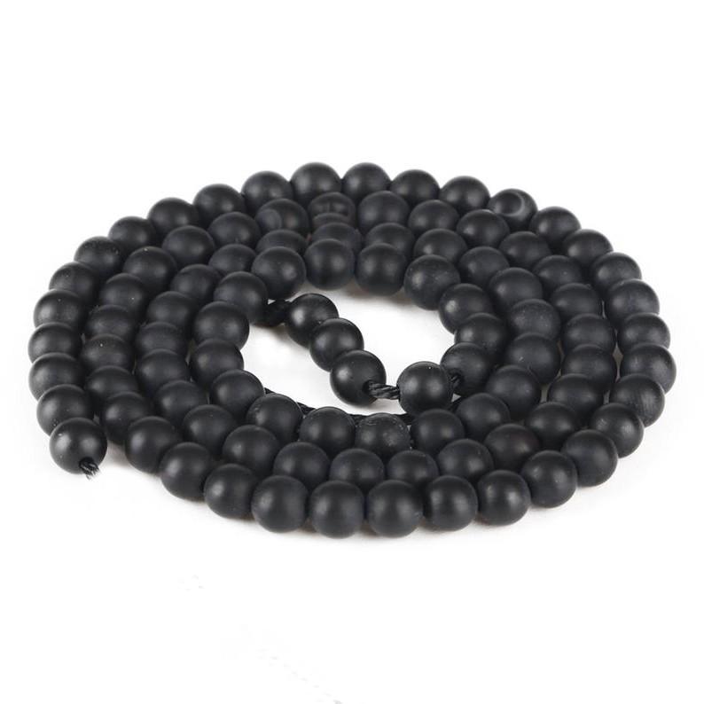 Tulle negru cu mărgele negre