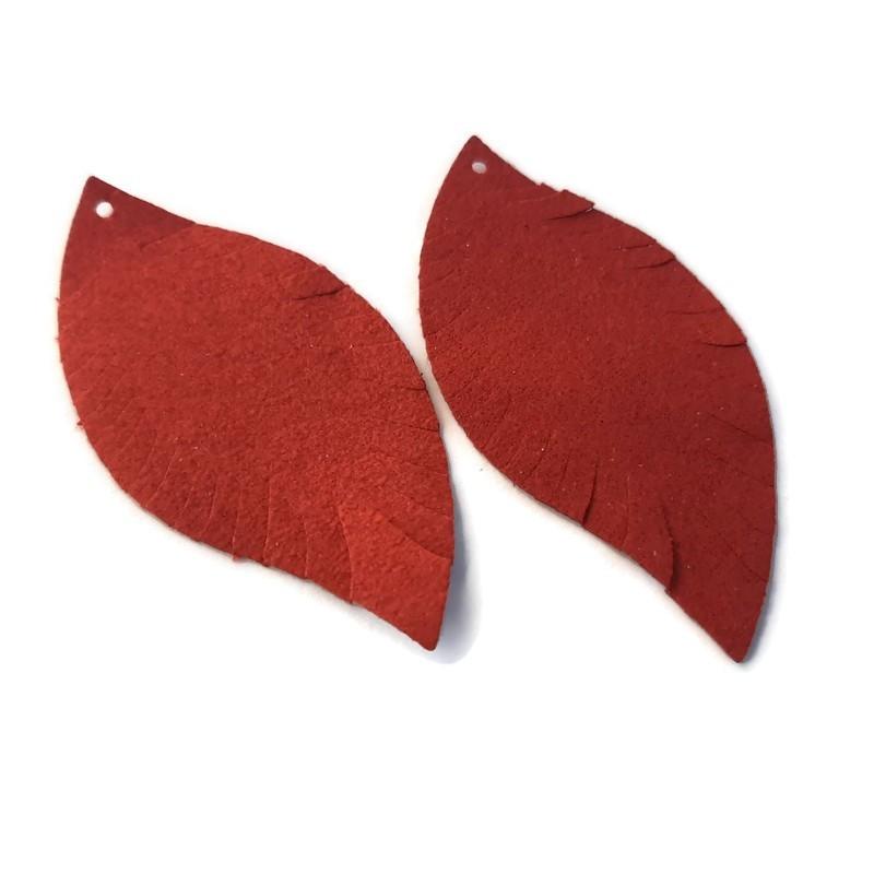 Pandantiv frunza rosu inchis PU 62x30mm