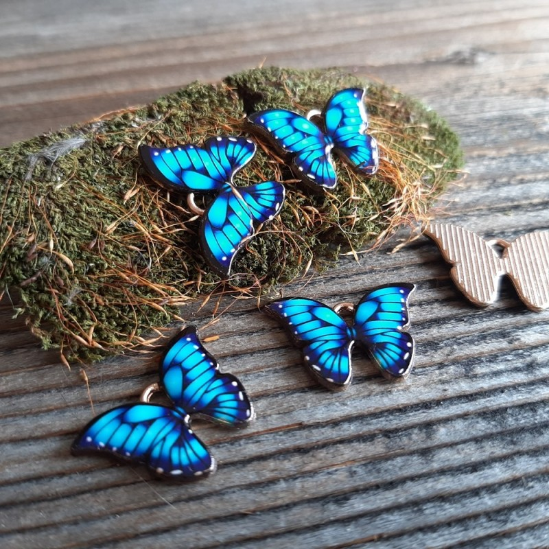 Pandantiv fluture emailat, albastru  15x22x2mm