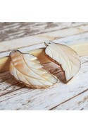 Pandantiv frunza ,sidef gravat, contur electroplacat auriu ~ 50x20mm